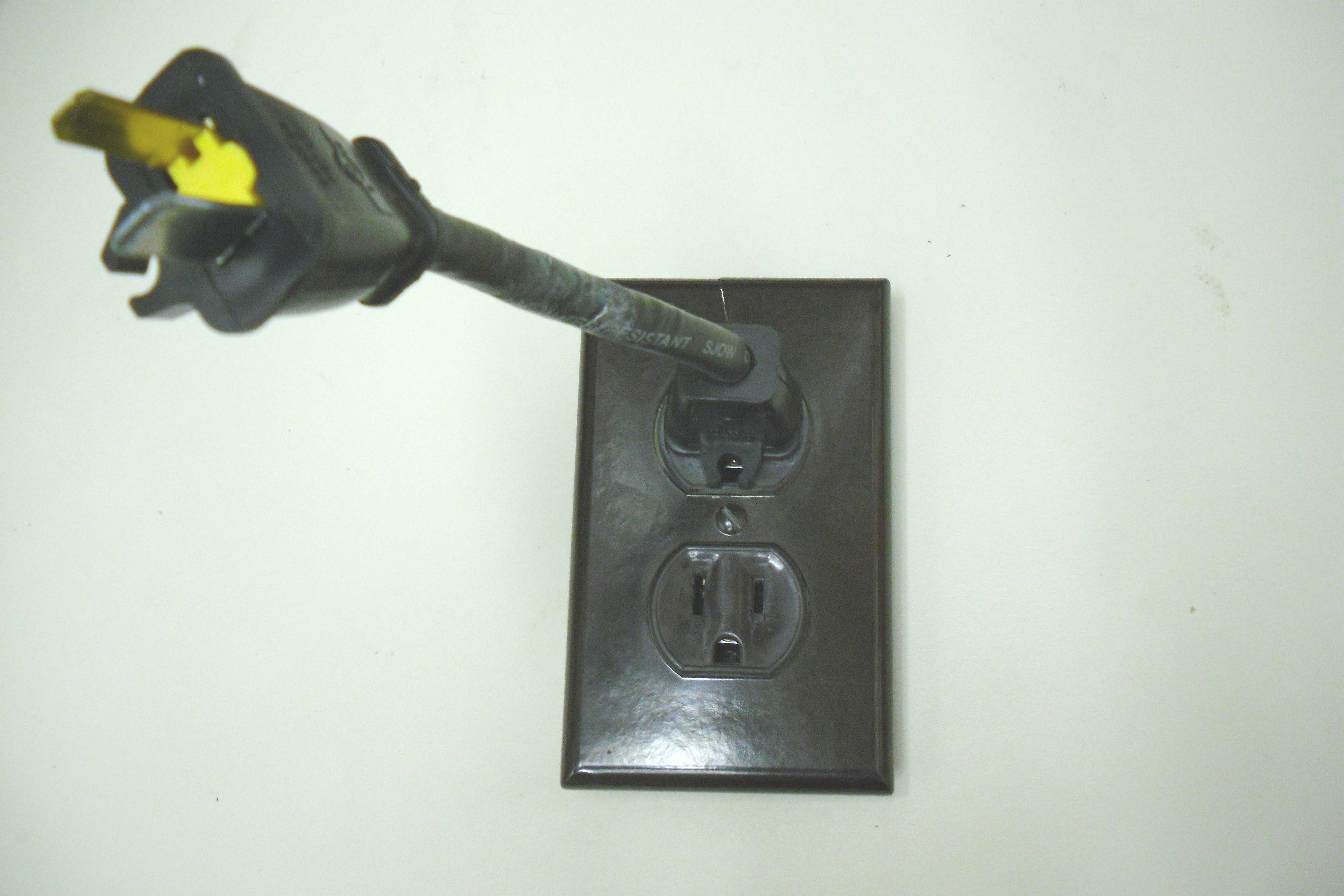 Cord with plugs at both ends? - m Community Forums